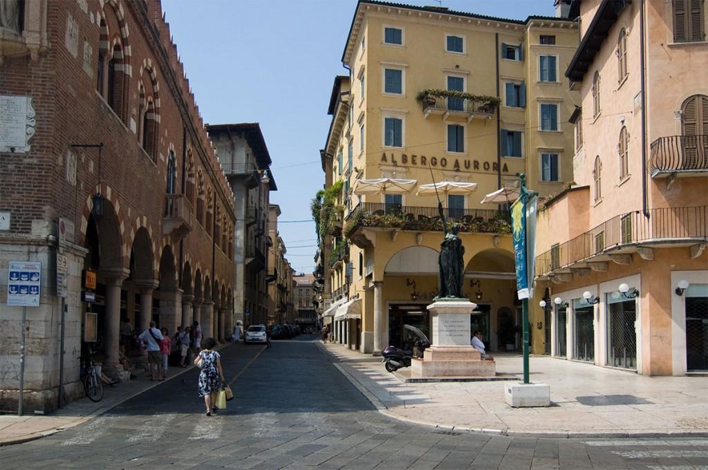 Piazza delle Erbe | Verona